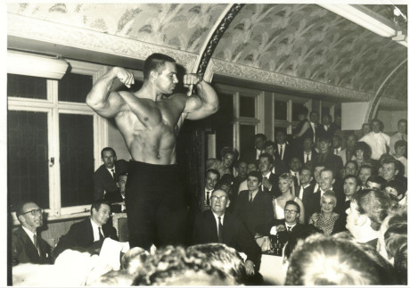 67u-pearl-bill-at-the-dais-1967-nabba-mr-universe-party-125-aumann-collection